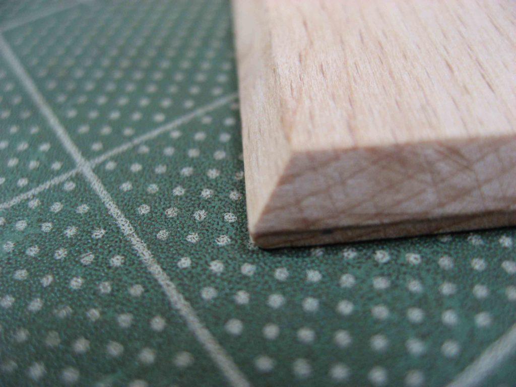 表紙板の加工04
