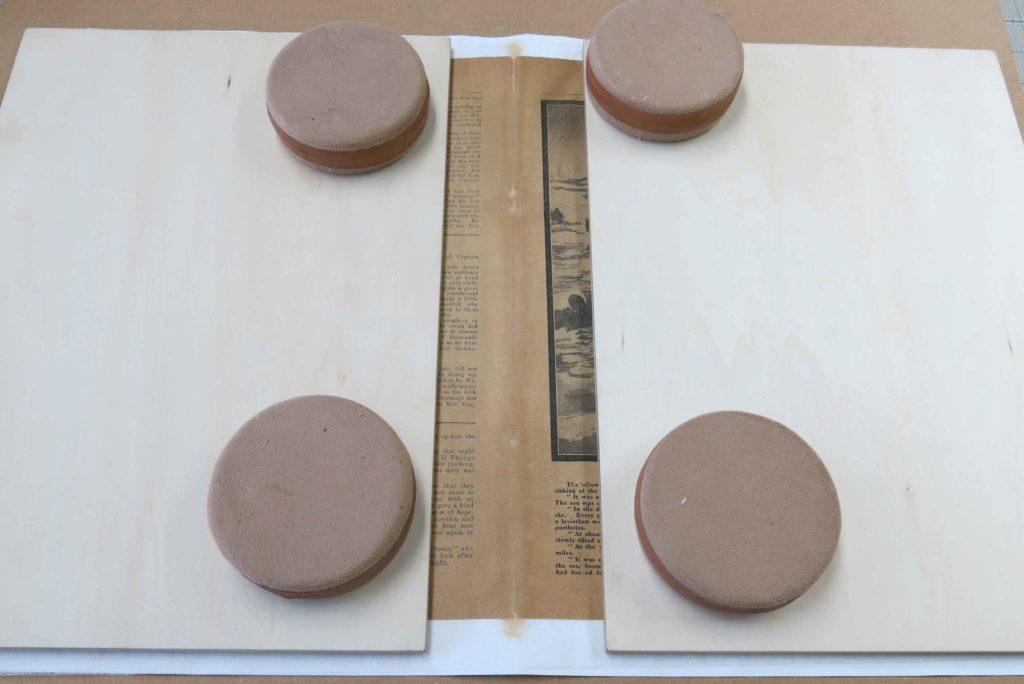 本文紙の折り目修復
